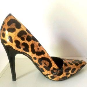 Guess Los Angeles Closed Toe Heels Leopard Print